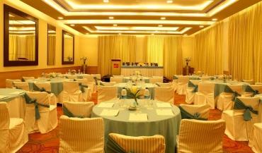 The Metropolitan Hotel in Delhi Photos