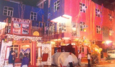 R J Palace Banquet Hall in Delhi Photos