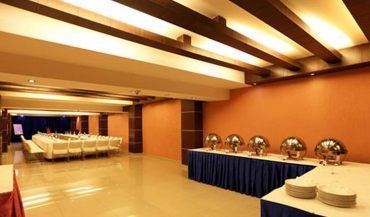 Hotel Le Seasons Banquet Hall Photos in Delhi