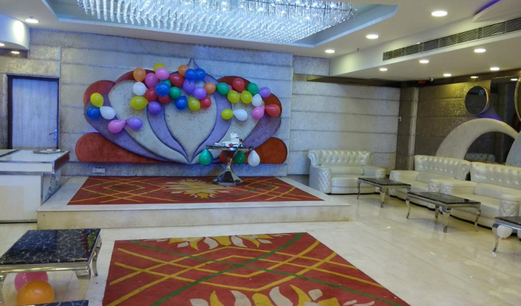 KD Grand Banquet in Delhi Photos
