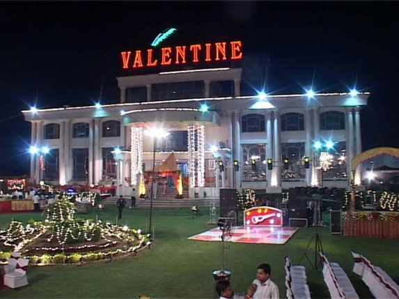 Valentine Motel Farm House in Delhi Photos