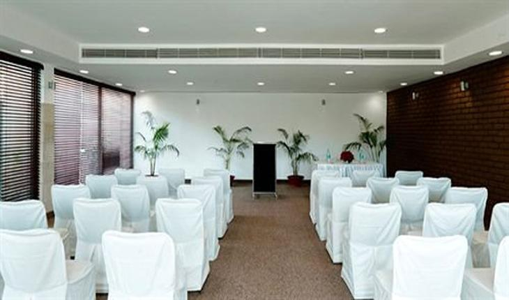 Conference Room at Hotel Jukaso Down Town in Delhi Photos