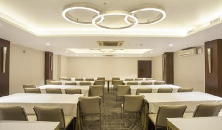 Hotel Connaught Royale Conference Room in Delhi Photos