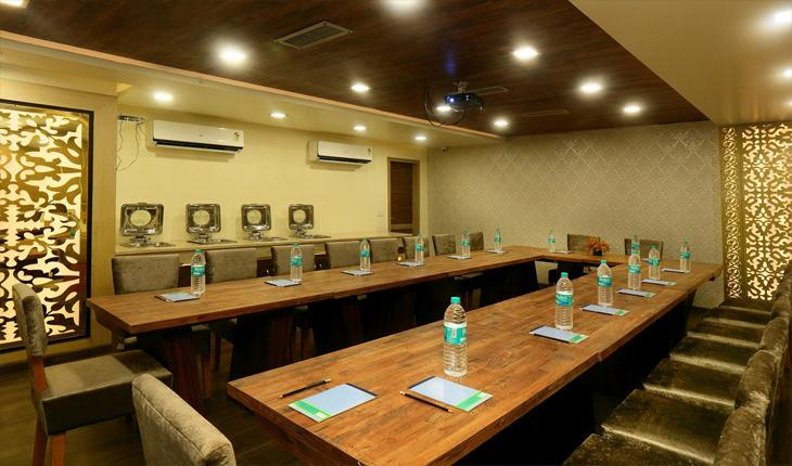 Hotel Indraprastha Conference Room in Delhi Photos