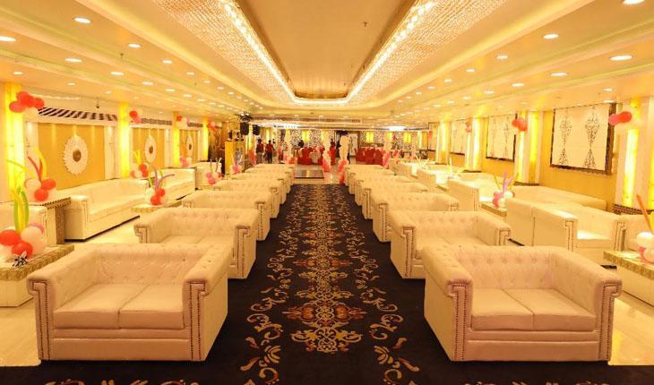 Silver Petals Banquet Hall in Delhi Photos