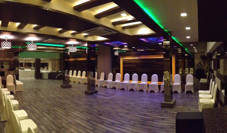 Beyond Hotel Banquet Hall in Delhi Photos