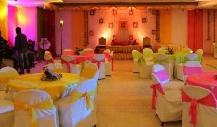 Royal Park Hall Banquet Hall in Delhi Photos
