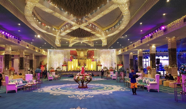 Emperor Hall at Nikunj Banquet Hall in Delhi Photos