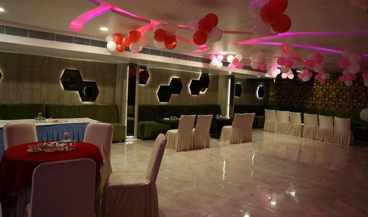 Sandoz Banquet Hall in Delhi Photos
