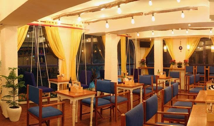Mia Bella Romantic and Bar Restaurant in Delhi Photos