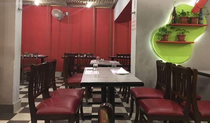 Cosy Restaurant in Delhi Photos