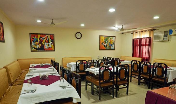 Hotel Dakha International in Delhi Photos