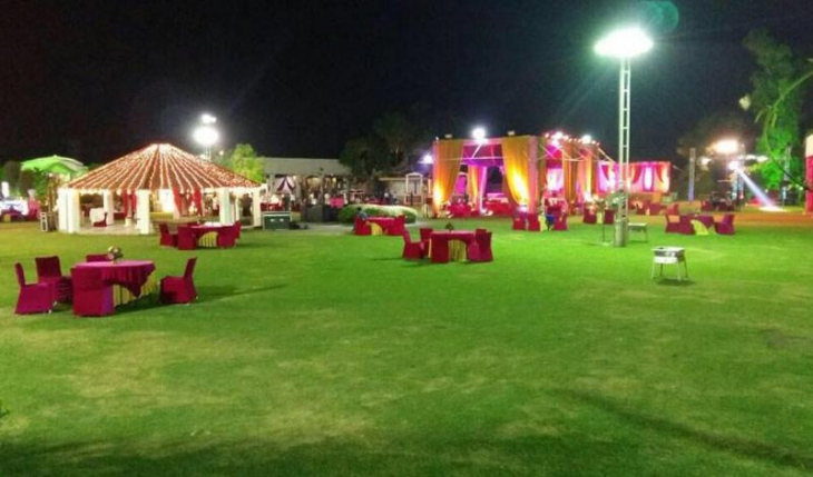 Sunrise The Party Place Resort in Delhi Photos