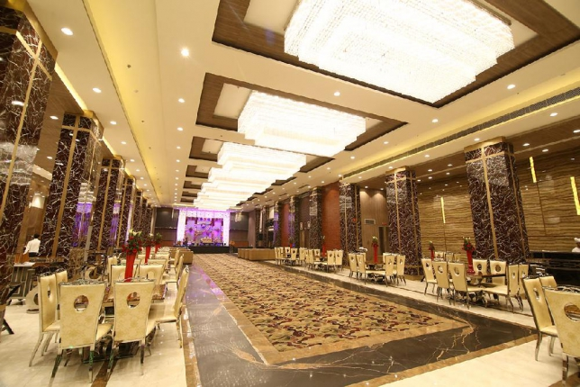 Green Lounge Fusion Banquet Hall in Delhi Photos