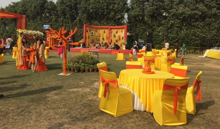 Executive Club and Resort in Delhi Photos