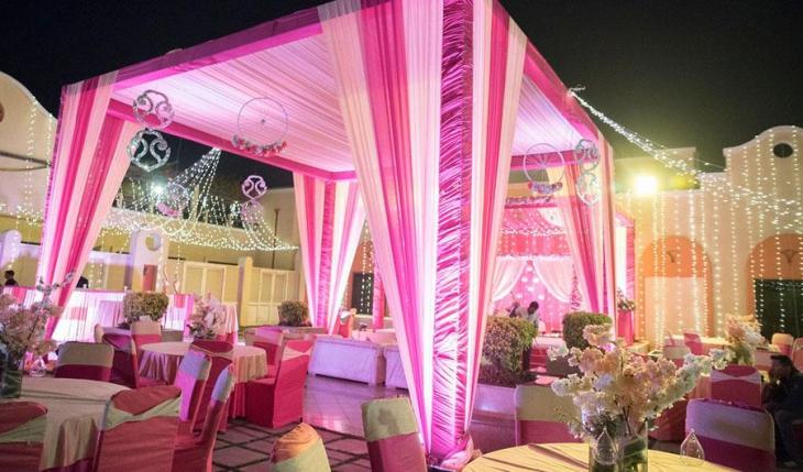 Tivoli Garden Resort in Delhi Photos