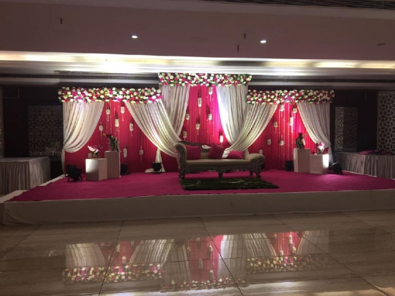 Radiance Motel Banquet Hall in Delhi Photos