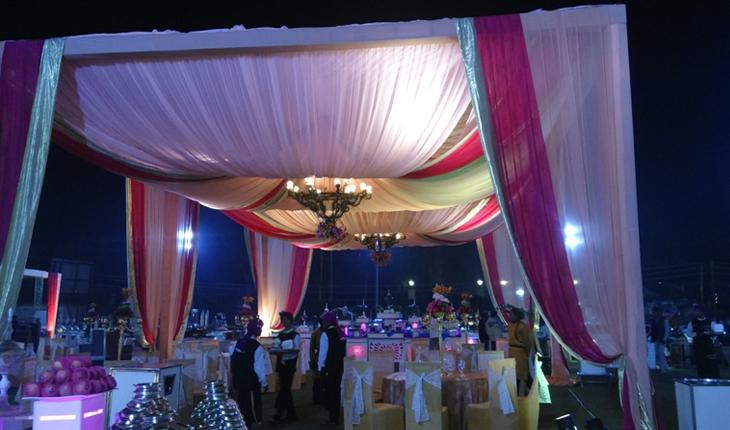 Opulent Motel Banquet Hall in Delhi Photos