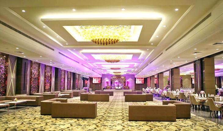 The Emerald Banquet Hall in Delhi Photos